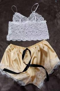 Yellow Sexy Fashion Lace Suspender Pajamas