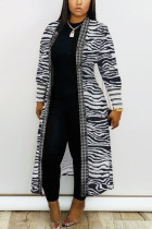 Light Gray Daily Polyester Twilled Satin Print Cardigan O Neck Outerwear