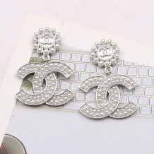 White Fashion  Simplicity Letter Pearl Earrings