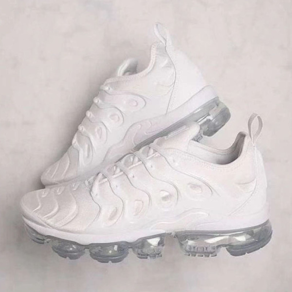 White Casual Sportswear Round Out Door Sport Shoes