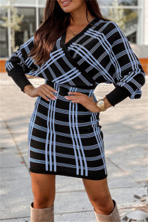 Light Blue Fashion Casual Plaid Print Split Joint V Neck Long Sleeve Dresses