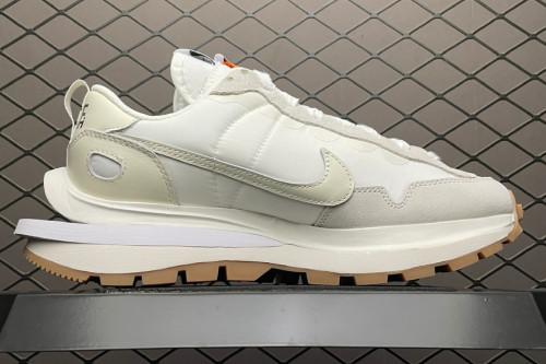 Nike Vaporwaffle Sacai Sail Gum DD1875-100